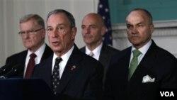 Majistra Bloomberg presize li pa pral ba yo pèmisyon pou monte tant ak sak kouchaj andedan pak la ankò.
