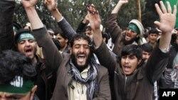 لاریون کوونکو پاکستان تورن کړ چې په افغانستان کې دوه مخی سیاست لوبوي.