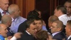 Скандал из-за русского языка парализовал парламент Украины