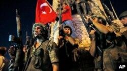 Turkiya harbiylari 15-iyul tunidagi isyon paytida