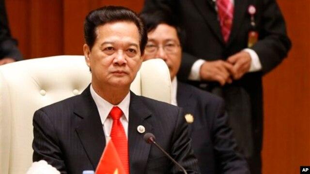 Thủ tướng Việt Nam Nguyễn Tấn Dũng được 210 đại biểu bỏ phiếu tín nhiệm cao, 122 phiếu tín nhiệm và 160 phiếu tín nhiệm thấp, đứng sau Chủ tịch nước Trương Tấn Sang.
