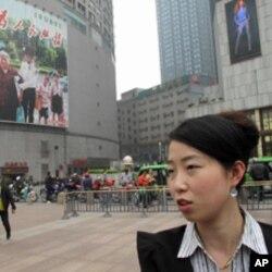 潘小姐接受记者采访