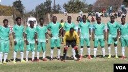 Imisiwe imidlalo yePremier Soccer League ngesikhathi kulungiselelwa imidlalo yeHeroes Trophy.