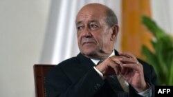 Le ministre français des Affaires étrangères, Jean-Yves Le Drian à Yamoussoukro, le 18 octobre 2018.