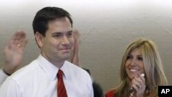 Le républicain Marco Rubio, sénateur élu de la Floride, et son épouse