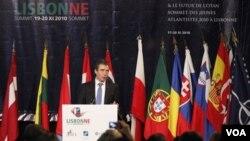 Sekjen NATO, Anders Fogh Rasmussen saat memberikan pidato pada pembukaan KTT di Lisbon hari Jumat.