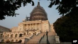 Mặt phía Tây của Điện Capitol.