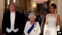 Перший день державного візиту президента Дональда Трампа у Великій Британії закінчився бенкетом у королівському Букінгемському палаці