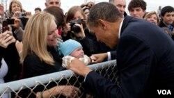 Un día antes, el presidente se reunió con los jóvenes en la sede de la red social Facebook en California.