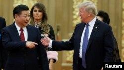 Tổng thống Mỹ Donald Trump và Chủ tịch Trung quốc Tập Cận Bình đến dự quốc yến tại Đại sảnh Nhân dân Bắc Kinh, ngày 9/11/2017.