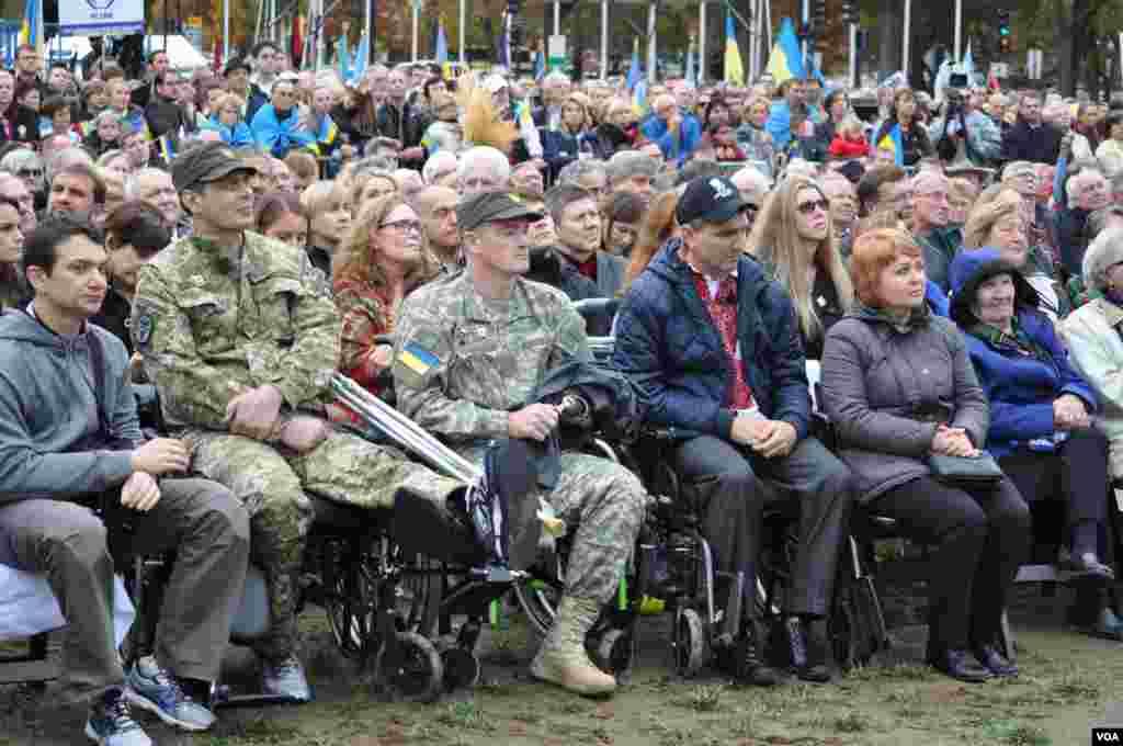 Українські солдати проходять лікування у лікарнях США.
