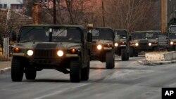 Forcat e KFOR-it gjatë një operacioni në veriun e Kosovës
