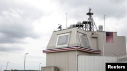 루마니아 남부의 미 공군 데베셀루 공군기지에 설치된 '이지스 어쇼어' 미사일방어시스템. 일본이 차기 지상 방공체계로 도입을 추진했다.