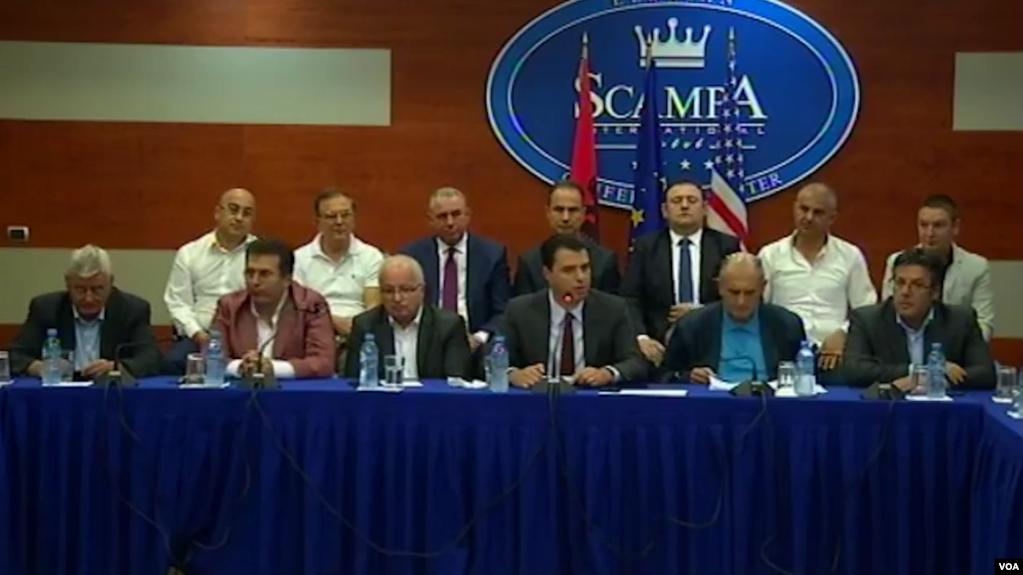 Shqipëri: Opozita kërkon vetting ndaj politikës. Rama mirëpret propozimin