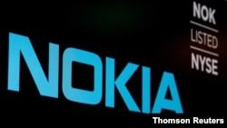Logo Nokia ditampilkan pada layar di lantai NYSE di New York (Foto: Reuters)