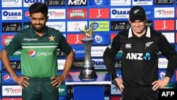 پاکستان اور نیوزی لینڈ کے درمیان تین ایک روزہ میچز پر مشتمل سیریز کھیلی جانا تھی۔