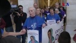 """Arrestos en protesta de católicos a favor de """"dreamers"""""""