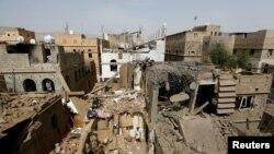 جنگ یمن با شدت گرفتن حملات هوایی ائتلاف به رهبری عرستان سعودی علیه حوثی ها، رنگ دیگری گرفته و به تخریب زیربناهای این کشور فقیر منجر شده است.