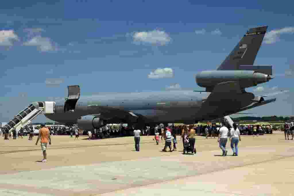 تانکر کی سی – ۱۰ KC-10