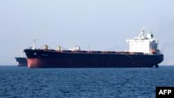 一艘油輪正在離開伊朗港口城市阿巴斯。(2019年4月30日)