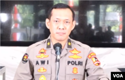 Karo Penmas Divisi Humas Polri Awi Setiyono saat menggelar konferensi pers di Jakarta, Selasa, 14 Juli 2020. (Foto: Sasmito)