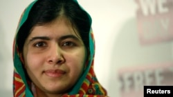 Malala Yousafzai bị nhóm Taliban ở Pakistan bắn trọng thương hồi năm 2012 vì những nỗ lực của cô ủng hộ giáo dục cho phụ nữ và trẻ em gái.