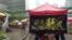 """香港""""添美艺墟""""在香港政府总部附近的添美道举行(美国之音谭嘉琪拍摄)"""