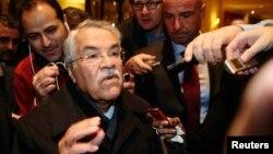 OPEC 이사회 참석 차 오스트리아 빈을 방문한 알리 알-나이미 사우디아라비아 석유장관이 24일 기자들의 질문에 답하고 있다.