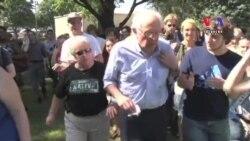 2016 Anti-Establishment Candidates Popular on Iowa Campaign Trail