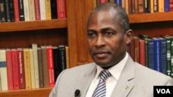Primeiro-ministro de São Tomé e Príncipe. Gabriel Costa