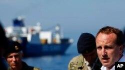 Bộ trưởng Ngoại giao Đan Mạch Martin Lidegaard phát biểu trên tàu dùng để đưa vật liệu vũ khí hóa học ra khỏi Syria.
