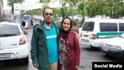 محمد حبیبی، پس از آزادی از زندان اوین در کنار همسرش