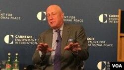 卡內基國際和平基金會研究副總裁包道格資料照 (美國之音鍾辰芳拍攝