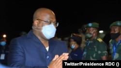 Président Félix Tshisekedi nsima na bokiti na mpepo na libanda lya mpepo ya Bunia, Ituri, 17 juin 202. (Twitter/Présidence RDC)