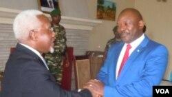 Le président burundais Pierre Nkurunziza rencontre les représentants du Conseil de sécurité de l'ONU, le 22 janvier 2016. (Etienne Karekezi)