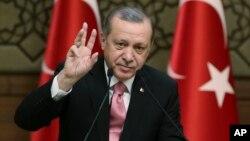 """Presiden Turki Recep Tayyip Erdogan menuduh Jerman melakukan """"praktik-praktik Nazi"""" (foto: dok)."""
