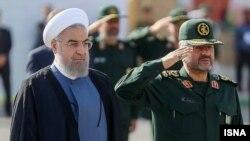 حسن روحانی رئیس جمهوری ایران (چپ) و محمدعلی جعفری فرمانده کل سپاه پاسداران - ۲۴ شهریور ۱۳۹۴