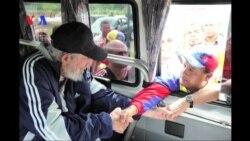 Fidel Castro faz primeira aparição pública em mais de um ano
