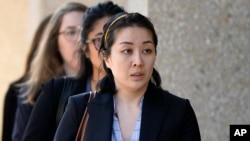 图为2019年9月12日,被告李凡尼到达加利福尼亚州红木城的法院。(资料照)
