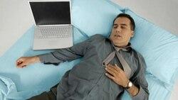 تاثیر منفی استفاده از وسایل الکترونیکی بر کیفیت خواب افراد