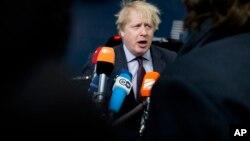 Bộ trưởng Ngoại giao Anh Boris Johnson phát biểu với truyền thông khi ông đến tham dự hội nghị các bộ trưởng ngoại giao EU tại Brussels, ngày 19/3/2018.