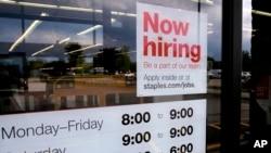 Las contrataciones enEstados Unidos aumentaron el mes pasado a su nivel más alto desde enero, según el más reciente informe del Departamento de Trabajo. Foto AP.