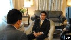 นายกรัฐมนตรีอภิสิทธิ์ เวชชาชีวะให้สัมภาษณ์พิเศษกับวีโอเอภาคภาษาไทยที่นครนิวยอร์ค ตอนที่สอง