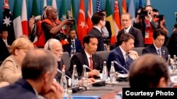 Presiden Joko Widodo pada sidang pleno KTT G-20 di Brisbane, Australia. (Foto: Sekretariat Kabinet)