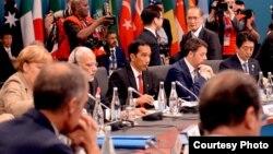 Presiden Joko Widodo bersama para pemimpin dunia pada sidang pleno KTT G-20 di Brisbane, Australia November 2014 lalu (Foto: Sekretariat Kabinet)