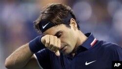 Petenis Swis Roger Federer tidak berhasil mencapai babak semifinal dalam turnamen di Flushing Meadows, New York (foto, 5/9/2012).