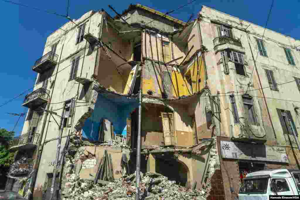 Locals say this building in Alexandria, Egypt, collapsed last year after frequent and sometimes deadly floods weakened the city infrastructure. (Hamada Elrasam/VOA)