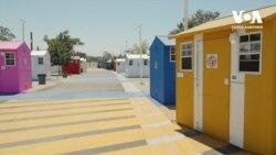 Епідемія безхатченків: скільки коштує побудувати крихітний будиночок для бездомних у Каліфорнії. Відео