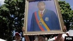 El presidente venezolano Hugo Chávez reafirmó su posición de gobernar Venezuela desde Cuba.