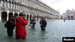 Las plazas de Venecia ya se ven inundadas con frecuencia, pero lo que pueda venir es aún peor.